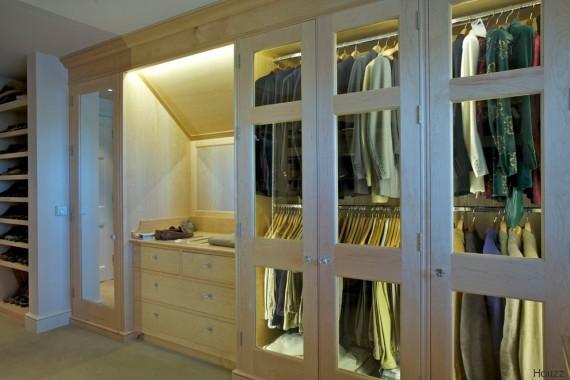 Houzz vi spiega come realizzare la cabina armadio perfetta - Armadio dietro al letto ...