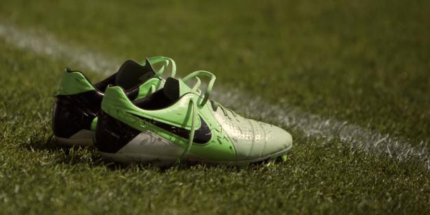 Der Sportartikelhersteller Nike hat bekanntgegeben, dass er vermehrt Abfall bei der Schuhherstellung verwendet.