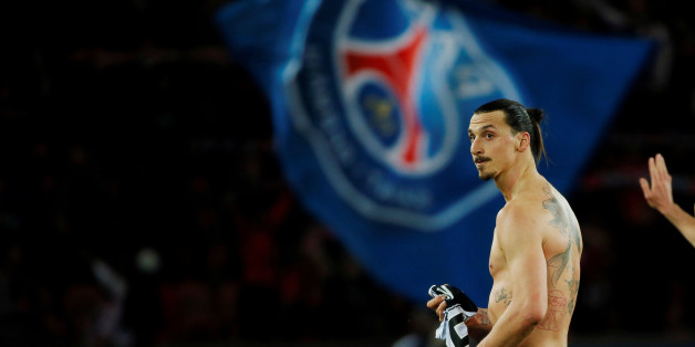 Paris St Germain's Zlatan Ibrahimovic walks out of the pitch at the end of the French Ligue 1 soccer match against En Avant Guingamp at Parc des Princes stadium in Paris, France May 8, 2015.   REUTERS/Gonzalo Fuentes/File Photo     TPX IMAGES OF THE DAY