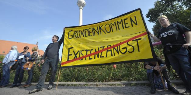 Demonstration für das Jedermann-Einkommen in Berlin