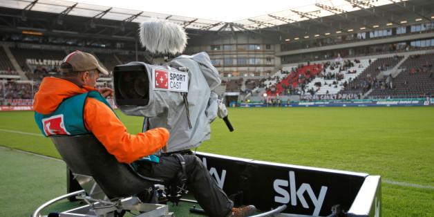 Die Zweite Bundesliga wird am Sonntag im TV und im Live-Stream übertragen