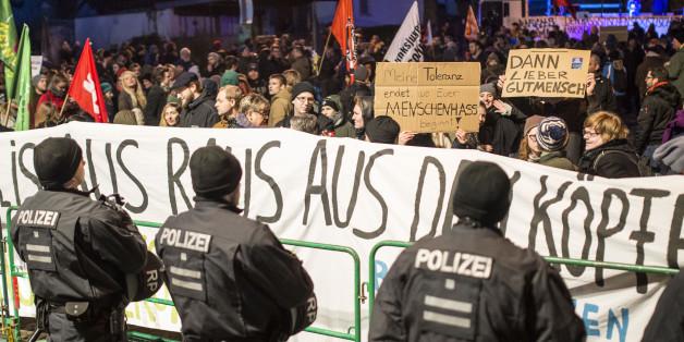 Demonstration gegen die AfD in Rheinland-Pfalz - nicht immer bleibt der Protest friedlich
