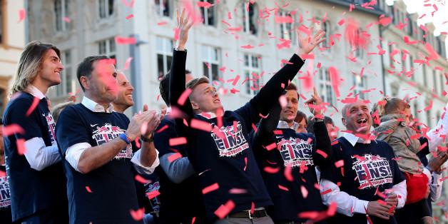 Liebe Wessis: Es ist peinlich, wie arrogant ihr auf die Aufstiegsfeier von RB Leipzig reagiert