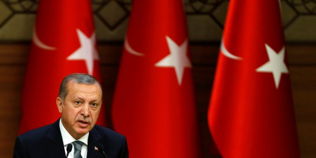 Turkish President Tayyip Erdogan makes a speech during his meeting with mukhtars at the Presidential Palace in Ankara, Turkey May 4, 2016. REUTERS/Umit Bektas