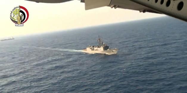 Capture d'écran d'une video du ministère égyptien de la Défense des recherchesde l'A320 le 20 mai 2016 en Méditerranée