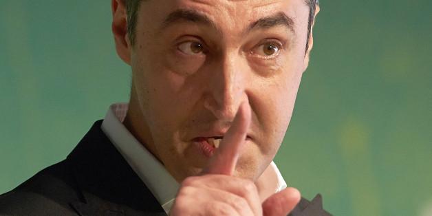 Cem Özdemir kritisiert die Kanzlerin wegen ihres Kurses in der Türkei-Politik