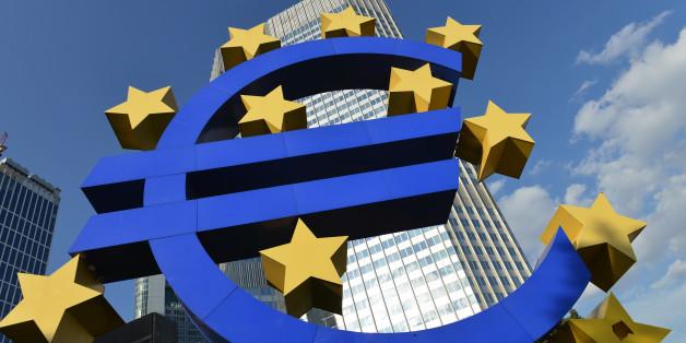 (GERMANY OUT) Europaeische Zentralbank EZB, Kaiserstrasse, Frankfurt am Main, Hessen, Deutschland / Kaiserstraße, Europäische  (Photo by Schöning/ullstein bild via Getty Images)
