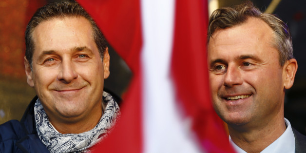 Austrian far right Freedom Party (FPOe) party leader Heinz-Christian Strache (L) and Freedom Party's presidential candidate Norbert Hofer  attend Hofer's final election rally in Vienna, Austria, May 20, 2016.     REUTERS/Leonhard Foeger