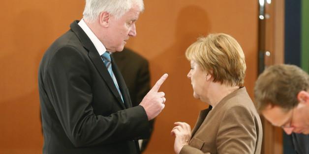 Horst Seehofer legt gegen die Kanzlerin nach