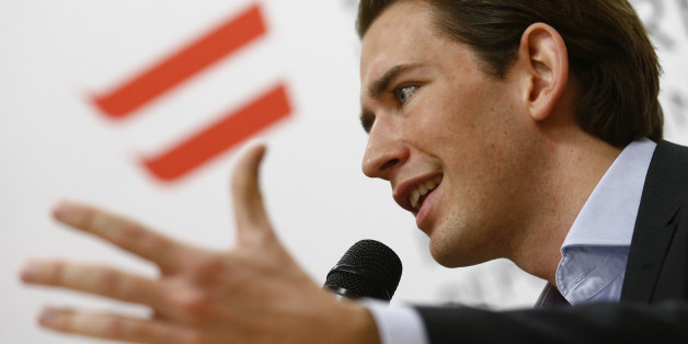 Austrian Minister for Europe, Integration and Foreign Affairs Sebastian Kurz addresses a news conference on migrants' integration in Vienna, Austria, November 19, 2015.  REUTERS/Heinz-Peter Bader (AUSTRIA  - Tags: SOCIETY IMMIGRATION POLITICS TPX IMAGES OF THE DAY)