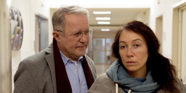 Bruno (Harald Krassnitzer) ist mit seiner kranken Frau Maria (Ursula Strauss)