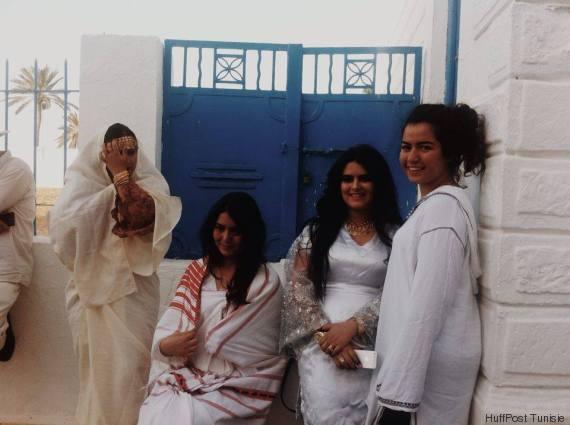 jeunes femmes à la ghriba