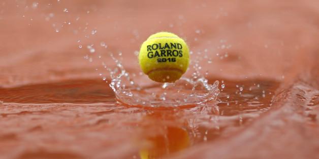 Aufgrund des Regens müssen immer wieder Matches abgesagt werden - noch ist der zeitliche Rückstand aufholbar