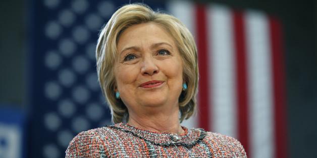 Hillary Clinton (encore) embarrassée dans le scandale des emails