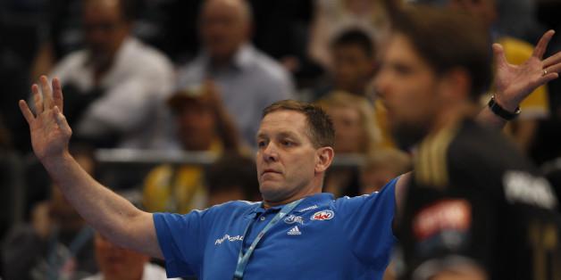 THW Kiel's Coach Alfred Gislason kann mit seinen Handballern am Sonntag nur noch um Platz 3 spielen