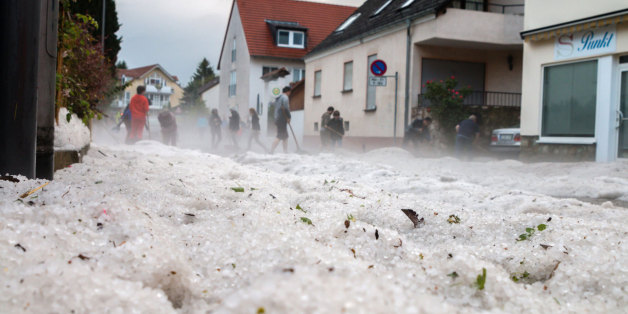 Gesperrte Straßen und Erdrutsche: Hagel-Schock in Deutschland