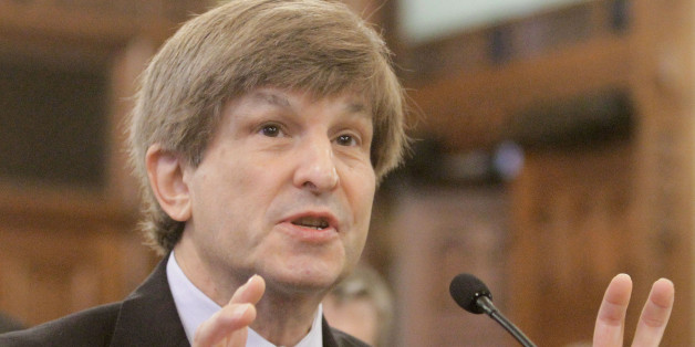 Allan Lichtman of American University in Washington D.C. testifies during a Senate Redistricting Committee hearing on the proposed Illinois redistricting map, at the Illinois State Capitol in Springfield, Ill., Tuesday, May 24, 2011. (AP Photo/Seth Perlman)