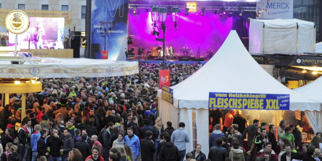 Schlossgrabenfest in Darmstadt (ältere Aufnahme)