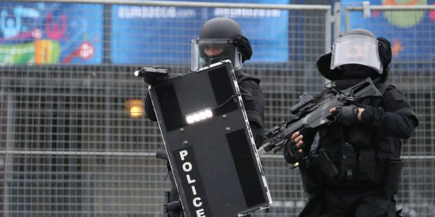 Members of the Raid special intervention unit of the French police take part in a terrorist attack mock exercise on May 31, 2016 near the Stade de France in Saint-Denis, France.  