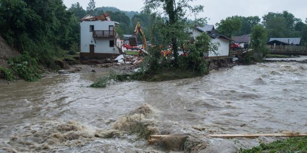 Hochwasser-Katastrophe in Niederbayern: Rettungskräfte bergen viertes Todesopfer