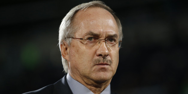 South Korea's head coach Uli Stielike looks on before a friendly soccer match against Paraguay at Cheonan Sports Complex in Cheonan October 10, 2014.   REUTERS/Kim Hong-Ji (SOUTH KOREA - Tags: SPORT SOCCER)