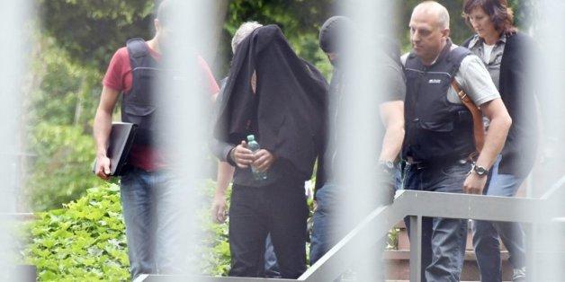 Beim Bundesgerichtshof (BGH) in Karlsruhe (Baden-Württemberg) wird am 02.06.2016 ein Terrorverdächtiger dem Haftrichter vorgeführt. Die Sicherheitsbehörden haben nach eigenen Angaben einen geplanten Anschlag des Islamischen Staats (IS) in der Düsseldorfer Altstadt vereitelt.