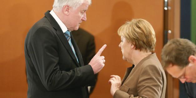 Die Bundeskanzlerin Angela Merkel und der CSU-Vorsitzende Horst Seehofer