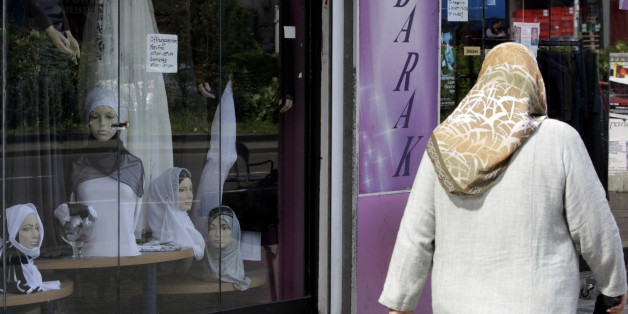 Ein Frau mit Kopftuch in Berlin Neukölln (Symbolbild)