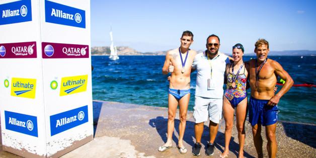 Από αριστερά: Σπύρος Γιαννιώτης, Ολυμπιονίκης & Παγκόσμιος Πρωταθλητής στην κολύμβηση ανοιχτής θαλάσσης, Νίκος Γέμελος, Oμοσπονδιακός Tεχνικός Kολύμβησης, Κέλλυ Αραούζου, Παγκόσμια Πρωταθλήτρια στην κολύμβηση ανοιχτής θαλάσσης, Κωνσταντίνος Καρνάζης, Ελληνοαμερικανός υπ