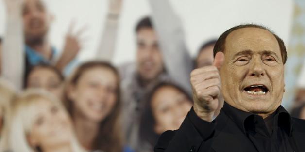Silvio Berlusconi liegt im Krankenhaus - weitere Ergebnisse gibt es aber erst in den kommenden Tagen