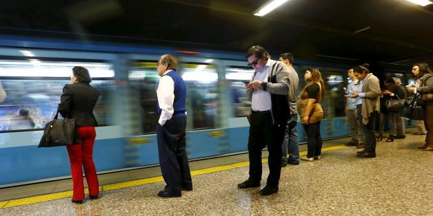 Santiagos U-Bahn fährt bald fast ausschließlich mit Ökostrom.