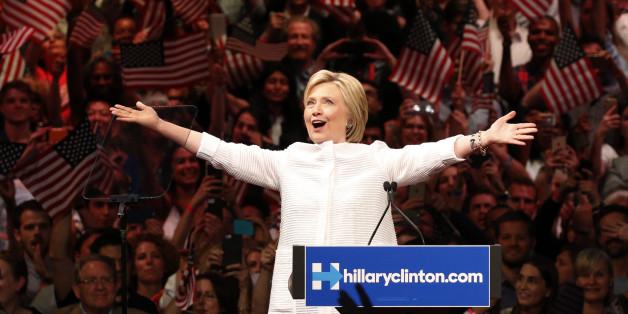 Die Präsidentschaftskandidatin der Demokraten Hillary Clinton bei einem Auftritt in Kalifornien