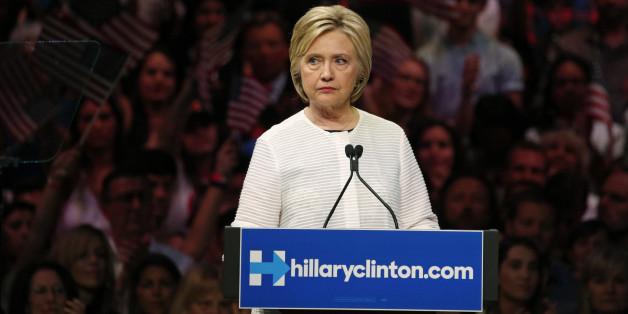 C'est maintenant que ça devient délicat pour Clinton avec Sanders