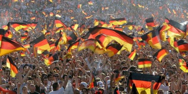 Die EM 2016 steht an - und Deutschland befindet sich im Fähnchen-Fieber
