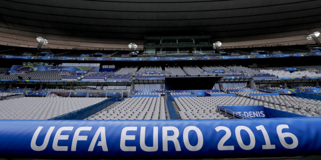 Ein UEFA-Vertreter hält bei der EM 2016 Spiele ohne Fans für möglich