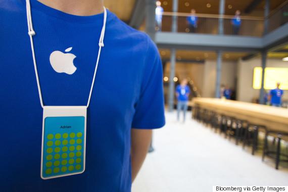 apple store blue shirt