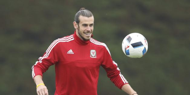 Gareth Bale läuft für Wales gegen die Slowakei auf