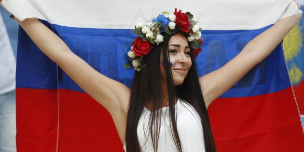 Jetzt wird Fußball gespielt: Alles zur Partie England gegen Russland