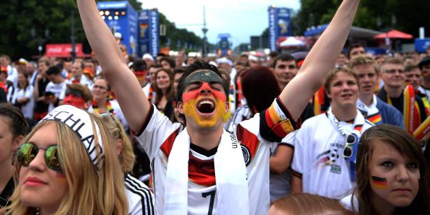 Fanmeile am Brandenburger Tor in Berlin während der WM 2014
