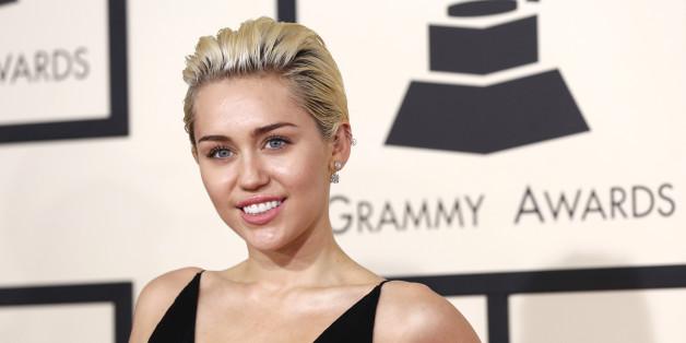 Miley Cyrus ermutigt ihren Vater weiter an die Liebe zu glauben.
