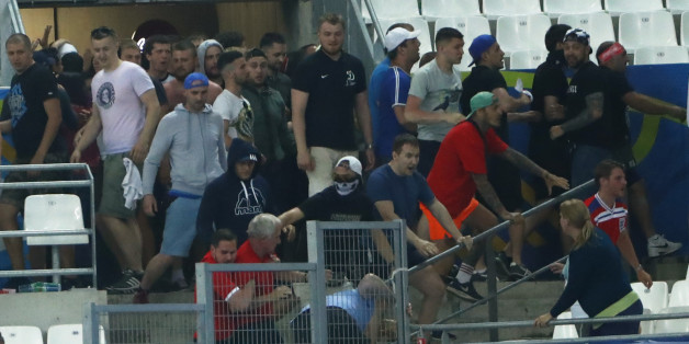 Football Soccer - England v Russia - EURO 2016 - Group B - Stade V?lodrome, Marseille, France - 11/6/16England fans try to escape trouble in the stadium as clashes breakoutREUTERS/Eddie KeoghLivepic