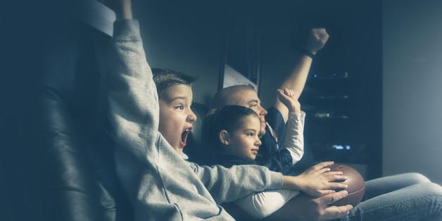 6 Gründe, warum ihr euren Kindern erlauben solltet, die EM-Spiele zu sehen
