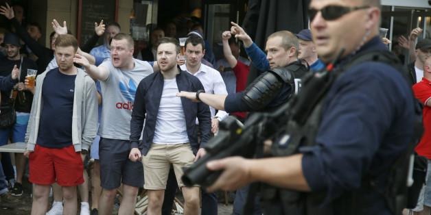 EM-Krawalle gehen weiter: Russische Anhänger randalieren auch in Lille
