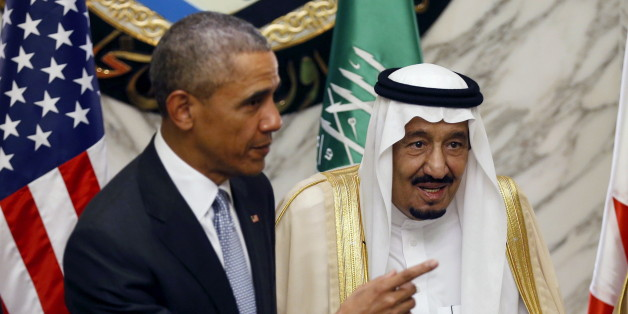 U.S. President Barack Obama (L) gestures as he stands next to Saudi Arabia's King Salman during the summit of the Gulf Cooperation Council (GCC) in Riyadh, Saudi Arabia, April 21, 2016. REUTERS/Faisal Al Nasser