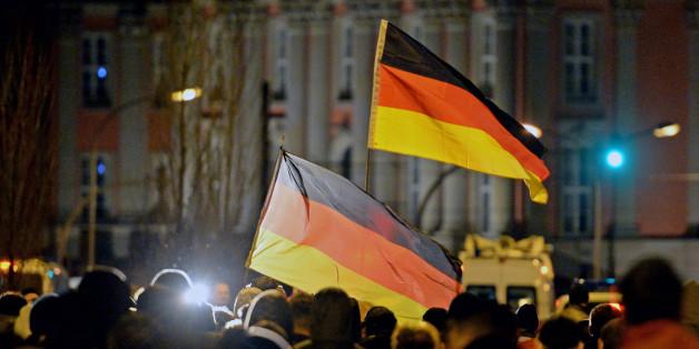 """Studie: Fast jeder siebte Ostdeutsche hält eine Diktatur """"unter Umständen"""" für die bessere Staatsform"""