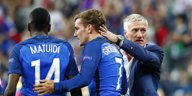 Football Soccer - France v Romania - EURO 2016 - Group A - Stade de France, Saint-Denis near Paris, France - 10/6/16