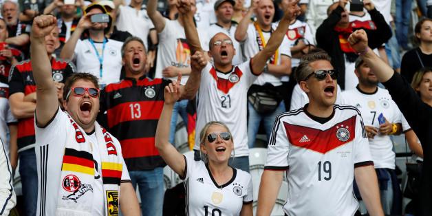 Das DFB-Trikot wurde bereits 1,3 Millionen Mal verkauft - nicht immer zum empfohlenen Preis