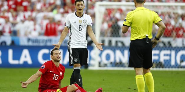 Résultats Euro 2016 : le résumé d'Allemagne-Pologne (lors duquel Joachim Löw a su se retenir)