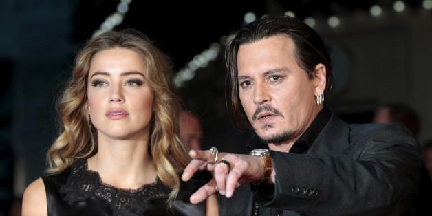 Johnny Depp und Amber Heard lassen sich scheiden. Um die Hintergründe gibt es die verschiedensten Gerüchte - auch eine Erpressung wurde erwähnt
