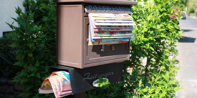 Ein überfüllter Briefkasten